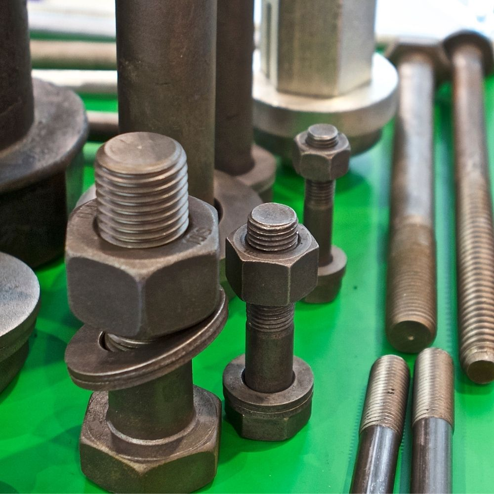 difference between bolt and screw and stud